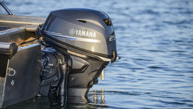 F25 bateau